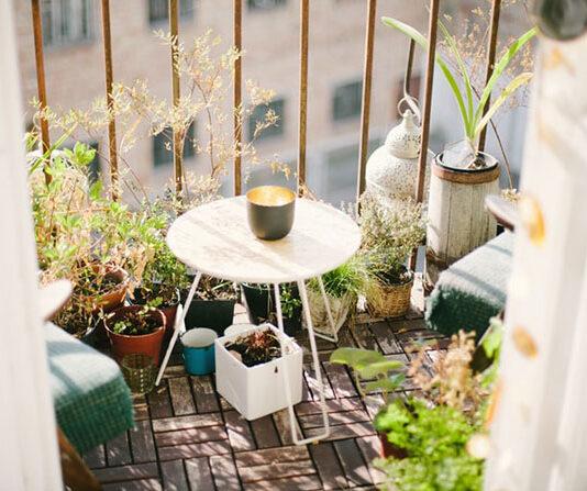 Jak osłonić balkon w mieście